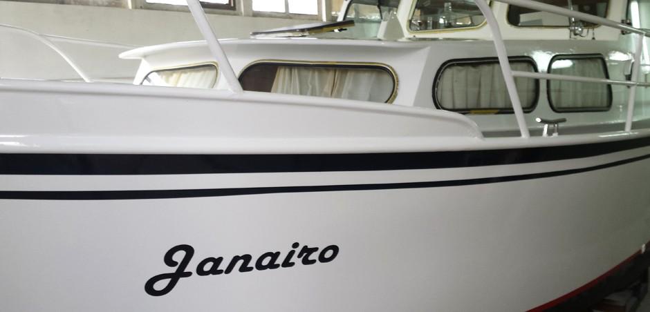 Gehele schip voorzien van nieuwe raamrubbers en gehard 4mm glas